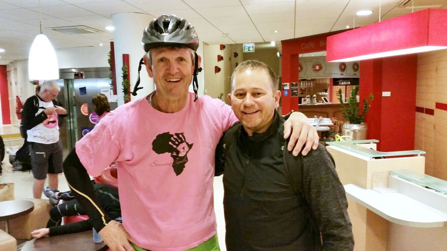 Morné du Plessis with Laureus Ambassador Dan Nicholl, joining Ron Rutland for the final stretch of the ride.