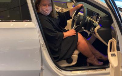 Laureus Supporters' Club member Marieta Dercksen is the lucky winner of a brand-new Mercedes-Benz A200 Sedan, valued at over R600 000!